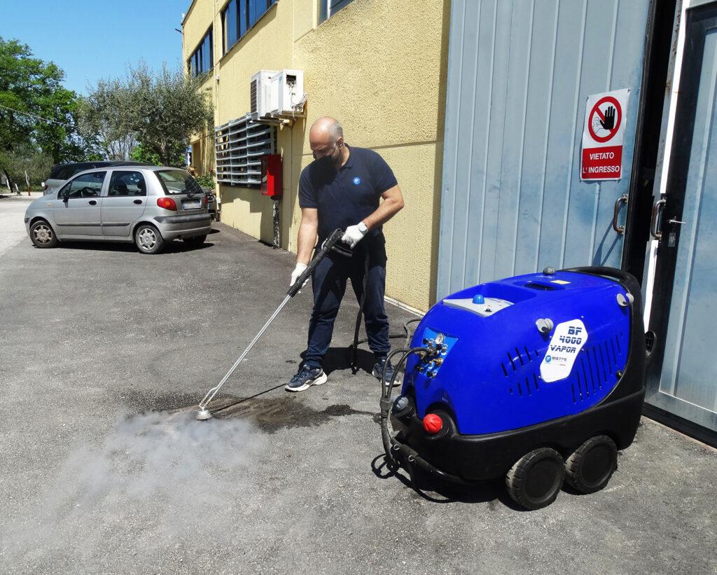pulizia a vapore delle strade